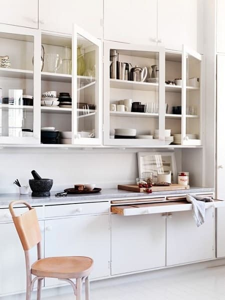 j-pull-out-cutting-board-remodelista_0