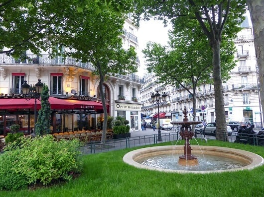 Place Maubert. Photo Credit: (http://www.discoverparis.net/)